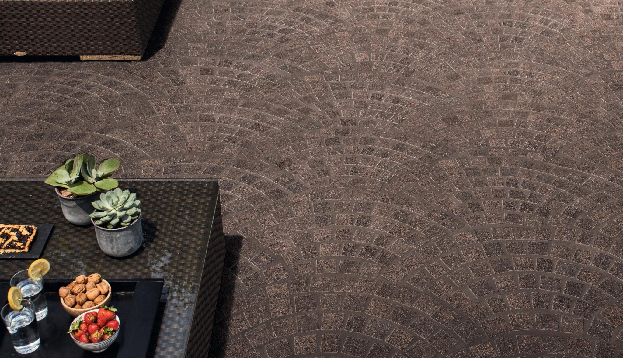 Mozaikos plytelės ir akmens masės plytelės